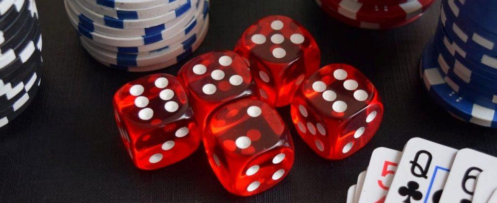 ライブカジノVSオンラインカジノ